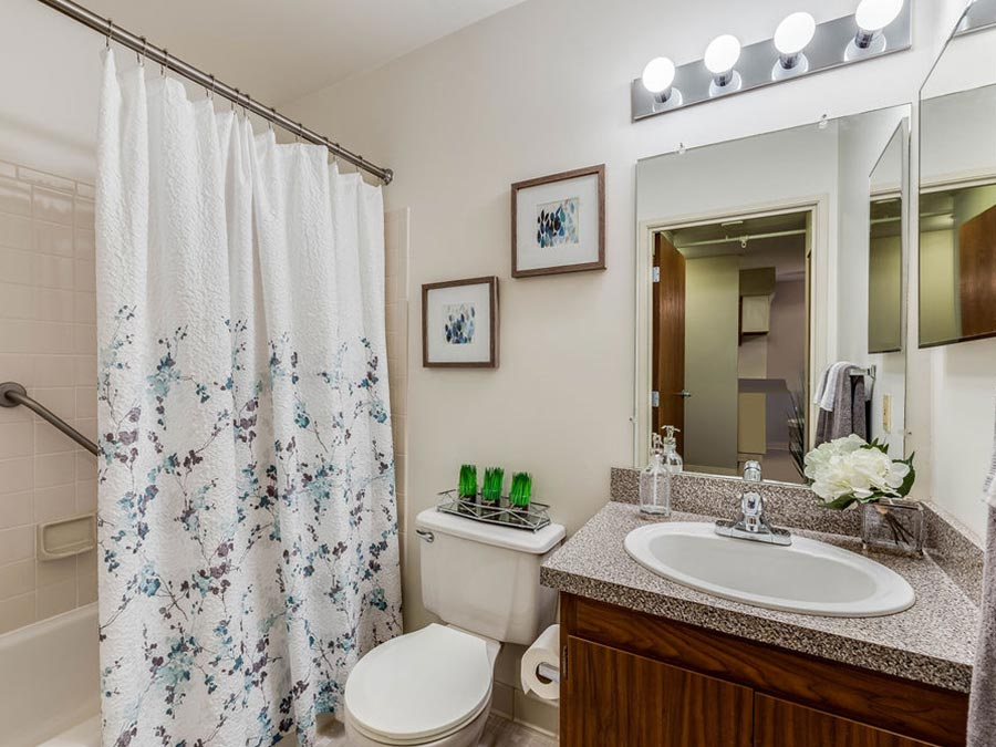 Westhaven Manor apartment interior bathroom